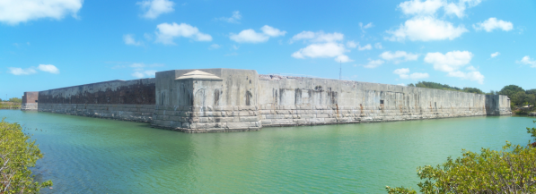 Key_West_FL_Fort_Zachary_Taylor_outside_pano