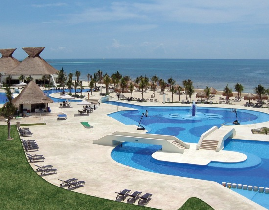 Blue-Bay-Grand-Esmeralda-Panoramic-Pool-View