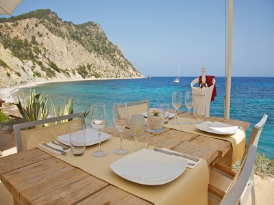 ibiza amante beach club table view