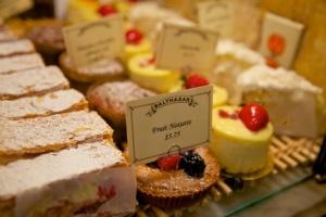 balthazar-bakery-nyc-fruit-tart