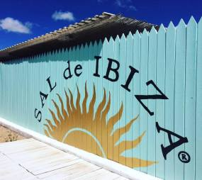 sal de ibiza entrance store